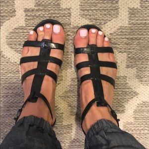 BCBGMaxazria sz 8 Black jelly gladiator sandals